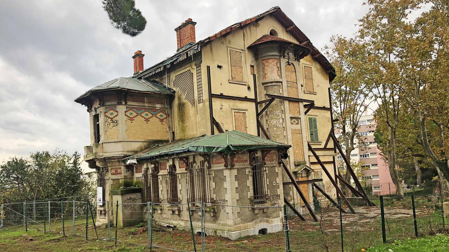 chateau_baumes-slide01